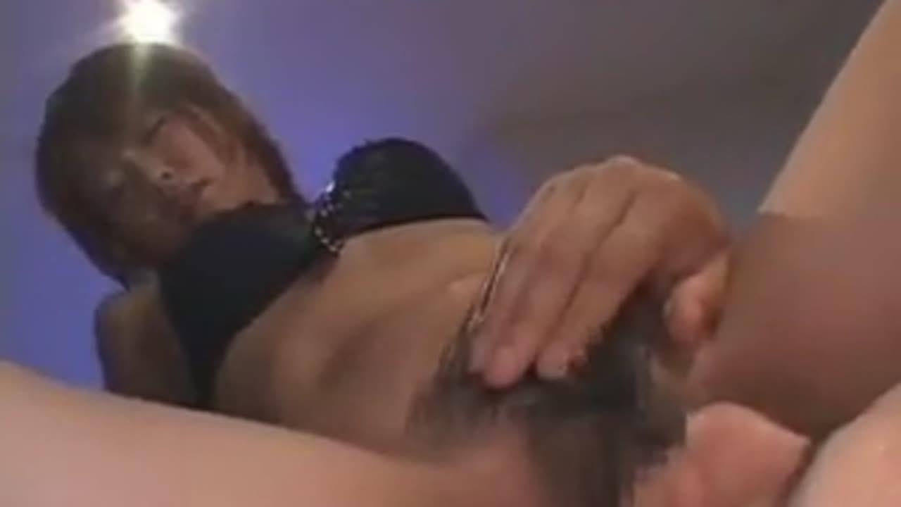 ランジェリーの素人女性の手コキ無料jyukujyo動画。爆乳☆巨乳おっ...