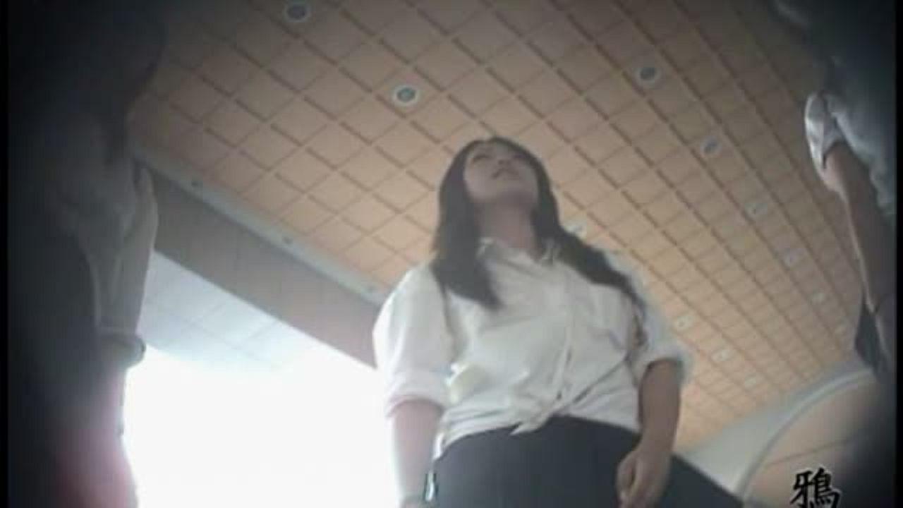 [fc2]JK盗撮師鬼姫が撮影した危険過ぎるパンチラ映像を限定公開!