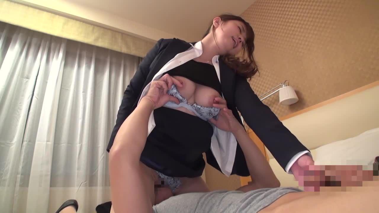 就活生かと思ったら人妻OL!旦那にほっとかれてる可愛い巨乳の若妻をナンパしてそのままホテルに連れ込み濃厚SEX!