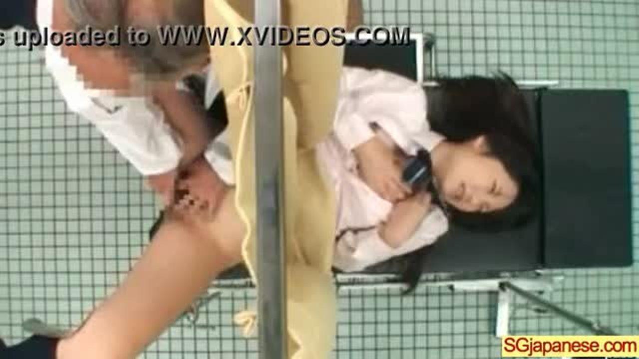[fc2]性病検査に来院した可愛い女子が変態医師におまんこいじられ舐められまくる!!★ライブチャット