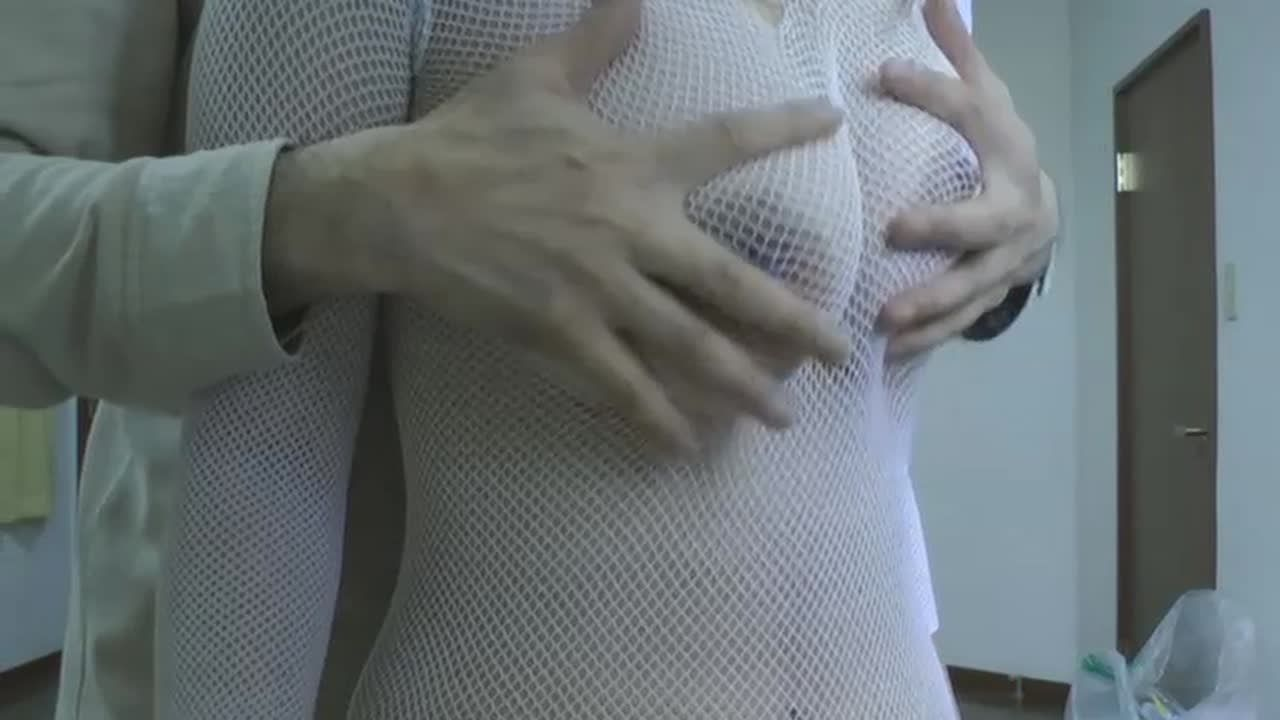 新人キャバ女の子のHカップ美デカパイを揉みまくり(完全オリジナル)