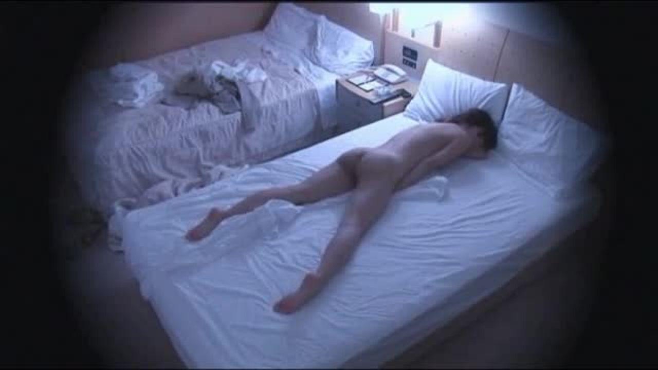 ホテルにて、キャバ嬢のオナニー無料おばさん動画。シティーホテルでオナニ...