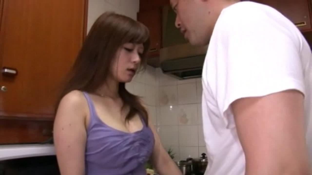若妻のさとう遥希が満たされない欲求を義父の肉棒で癒すww