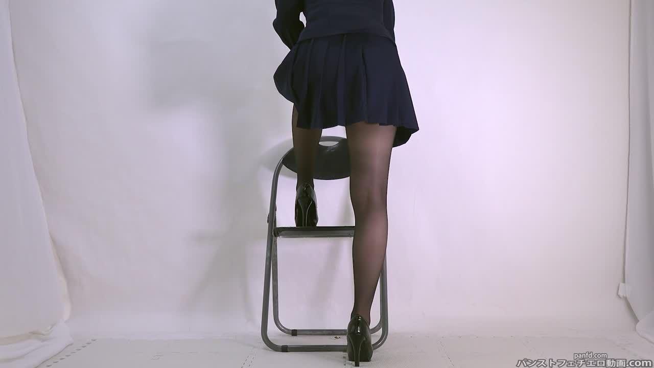 ノーパン制服でぱんちーすとっきんぐを直ばきして透け透け陰毛股間を撮像