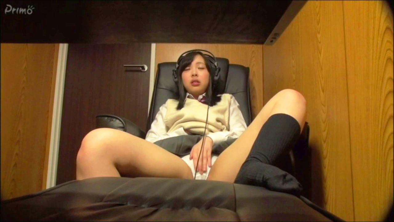 ネカフェ隠し撮り・制服娘のセンズリ Vol.18