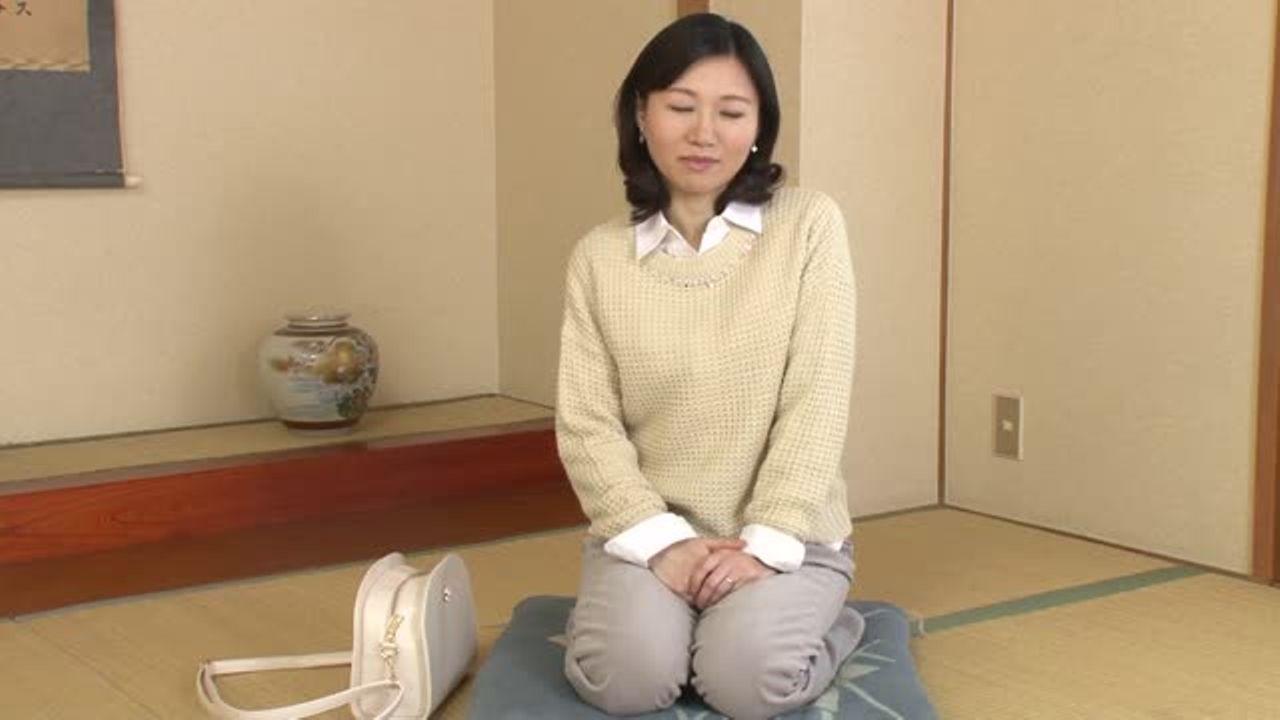 [fc2]【福井沙奈42歳】四十路の清楚なおばさんが初撮りAVデビュー!素人の熟女が寝取られるNTR企画