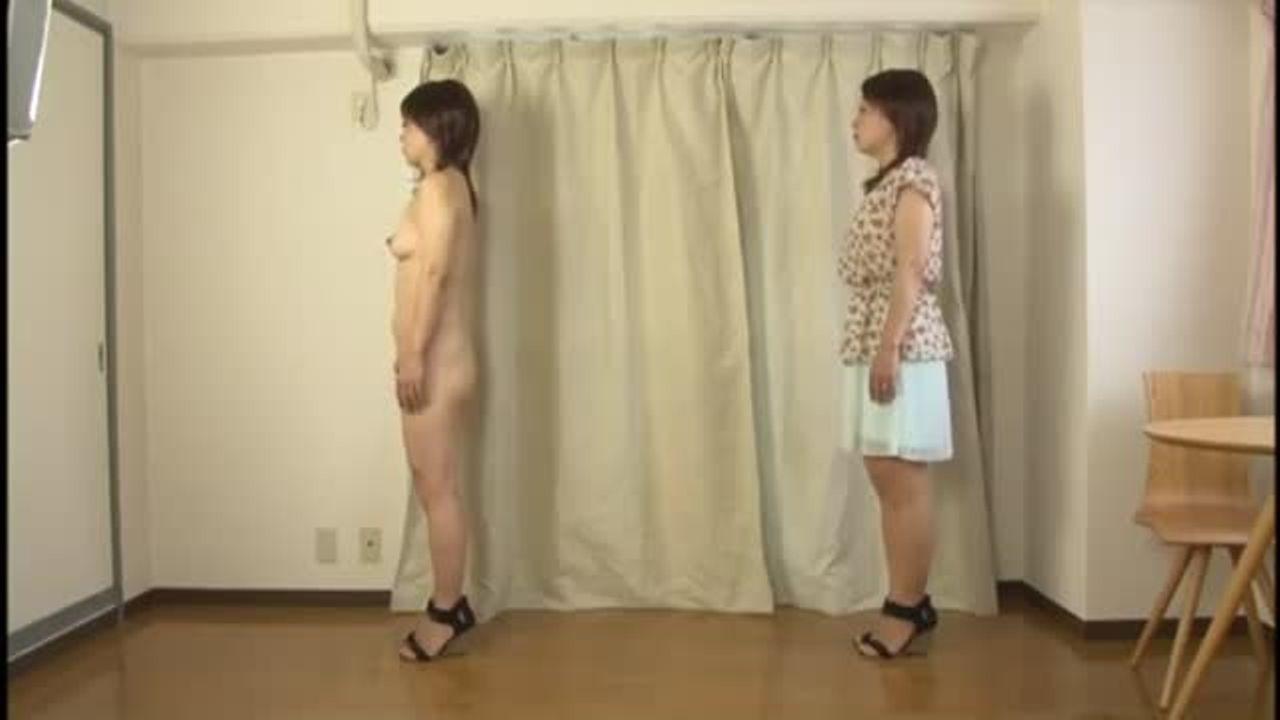 【ヌード】熟女のおっぱいとアソコを鑑賞!全裸に靴だけとかって意外に興奮☆熟女の裸体撮影♪♪