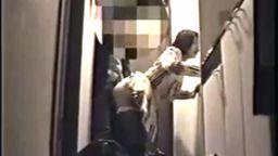 【無】【個人撮影】外出先からガマンしてたおマンコ帰宅直後玄関で激しくハメ合う篇!!.mp4