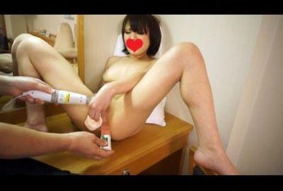 【膣でアナルで何度も即イキ】行きずり精子を最後はゴックン、春香/26歳