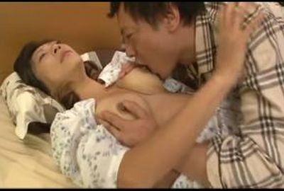 ビンビンに勃った敏感乳首の熟女たちは感度が凄く、すぐにマ○コをビショビショに濡らせてしまう… Part 2