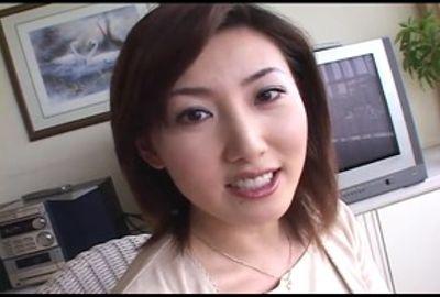 生出し美熟女 米田友花