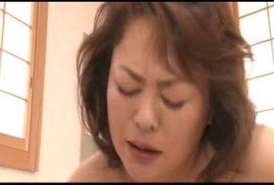 男に奉仕するためなのか自らの欲望のためなのか、艶めかしい口マンコはジュルジュルに濡れて… Part 4