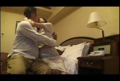 出会い系サイトで性欲を発散する人妻を隠し撮り Part 1