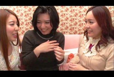 人妻さんの初レズ!素人熟女イキまくり体験!Vol.04