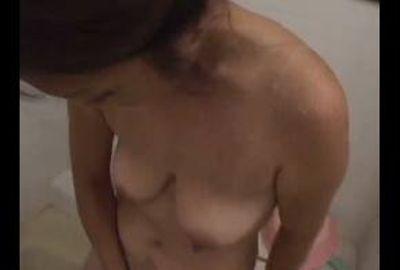 【欲求不満妻】熟女の切なく痛々しいオナニー 3