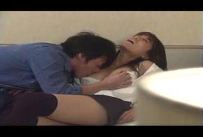 愛液たっぷり垂れ流しの膣にぶち込め!!・・5