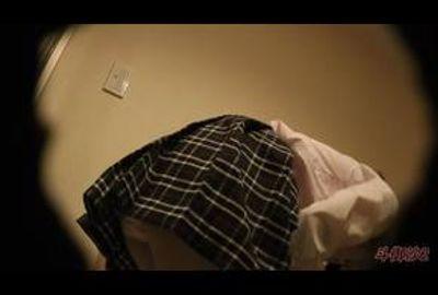 着替え隠撮 両親にナイショでコスプレをするお嬢様音大生☆【極秘密着】丸見えローアングルセット