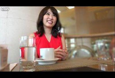 高級カフェで見つけた奇跡のセレブ真性ドスケベ妻 Vol.01
