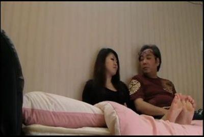 パチンコ屋で引っ掛けた人妻をハメたメロメロ動画 Part 6