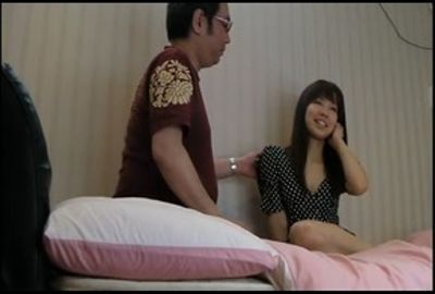 パチンコ屋で引っ掛けた人妻をハメたメロメロ動画 Part 8