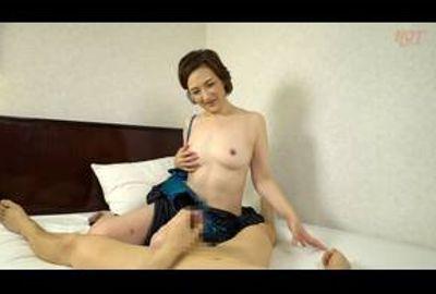 熟女が恥らうセンズリ鑑賞96