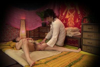 ◆流出映像◆流行りのタイ古式マッサージ店でヤリテのデカチン施術師の誘惑に負けて乱れる人妻の実態!!⑩