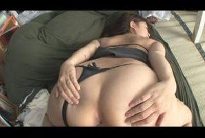 《Gカップ若妻》社長令嬢の退屈凌ぎでハメ撮り性交!