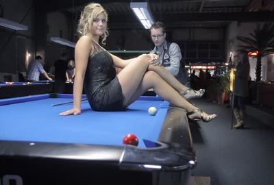 ビリヤード超絶トリックショット; Venom Trickshots II- Episode III: Sexy Pool Trick Shots in Germany