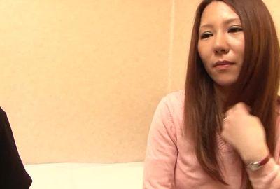 ナンパ成功率98%のガチナンパ師哲也の人妻入れ食いナンパ!! まきさん(27)