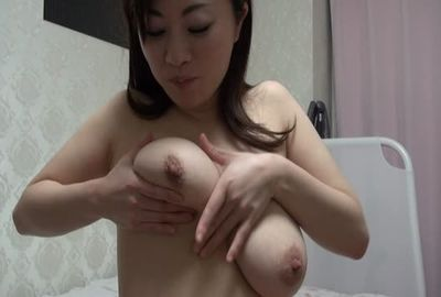 【着エロ鑑賞会】鳥取 Aちゃん(27) キレイ系人妻