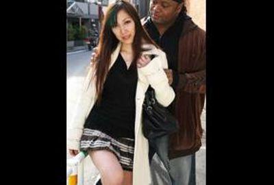 スレンダーBODYにFカップの美人奥さんが初めての黒人チ○ポの激しい突きに悶え狂う!