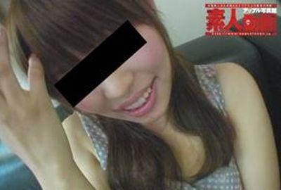 オッパイチラ見せも恥ずかしがる清純アイドル系女子大生(22歳)が電マ大量オモラシ絶頂