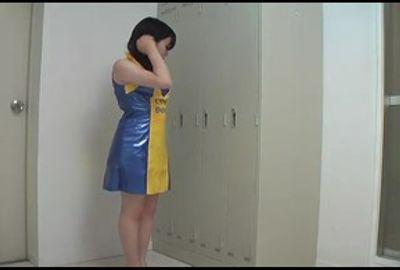 キャンギャルの更衣室に潜入して生着替えとパンティーの染みをたっぷり●撮しちゃいました! SNS-336