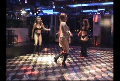 美女のレゲエダンス 2
