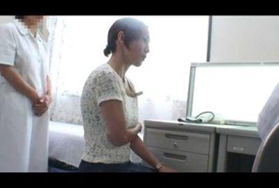都内某婦人科医師Uのコレクション映像 医師たちのイタズラ診察映像エピソード2