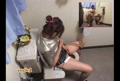【隠し撮り】トイレでオナニー中 Vol.3