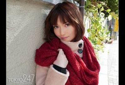 Tokyo247「りお」ちゃんはフランス映画から抜け出した様なルックス・スタイルの美乳フリーター