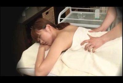 快楽に堕ちるグラビアアイドルの末路 ~発情オイル仕込み~ Vol.2