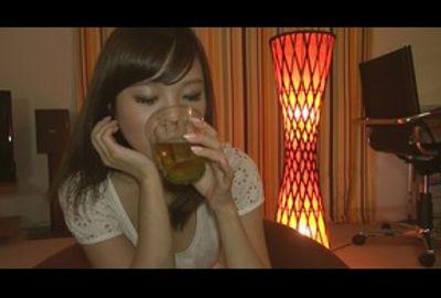 自宅飲みで2人きりお酒に酔って欲情させる連れ込みナンパ 2