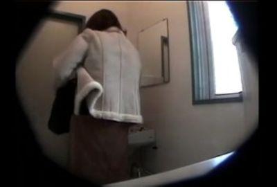 熟女恥態トイレ●撮 4カメ3マルチアングル 1 Part 1 RKS-018-1