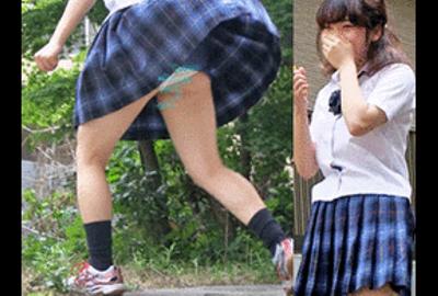 公園でバドする女子校生パンチラ