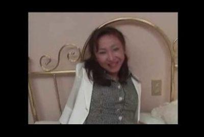 熟女の魅力・・巨乳編