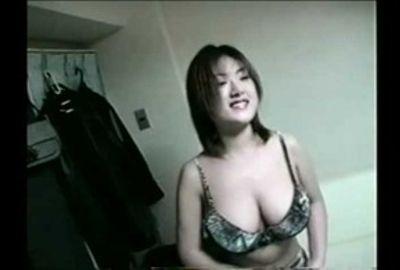 【AV女優】美乳美女をねっとり責め♪エッチは激しく感じやすく!!