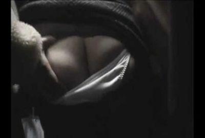 【掘り出し】電車内でオヤジの魔の手が女を襲う!! 2