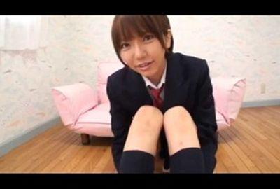 クチョクチョ淫音をたてて絶頂。ウリ営業用ビデオを自我撮りする女子校生