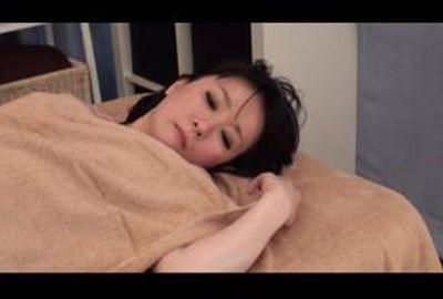 乃木坂 人妻オイル性感エステマッサージ 3 前編