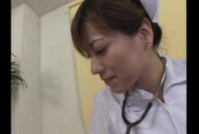 患者さんのワガママな欲望&肉棒に全身を使ってご奉仕!こんなに気持ち良い看護ってありww