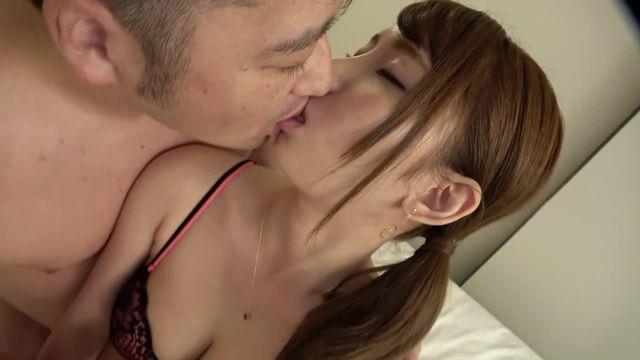 【大量潮吹き】素人ヤリマン美女とハメ撮りSEX♡ナンパ企画でこんなに抜ける動画はない!!